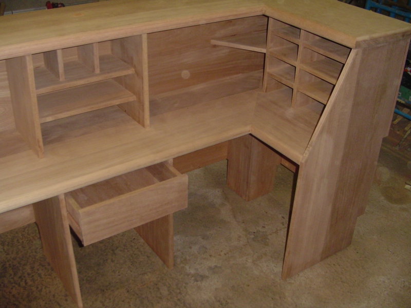 how to build your own desk
